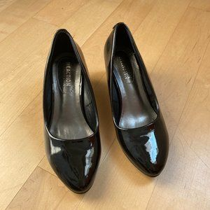 Kenneth Cole Reaction wedge black patent shoe NEW